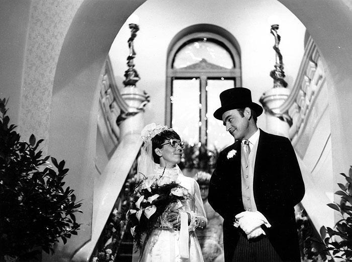 S Jiřinou Jiráskovou v komedii Jana Valáška a Karla Kachyni z roku 1968 Naše bláznivá rodina