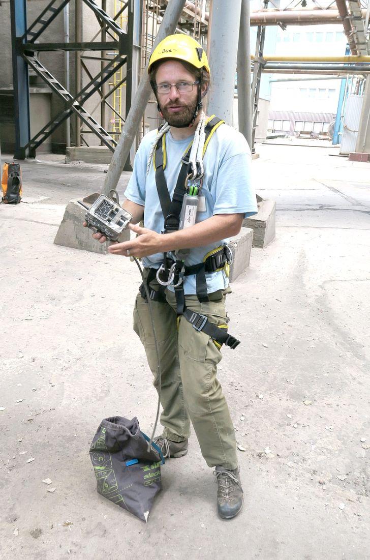 Ornitolog Václav Beran s fotopastí