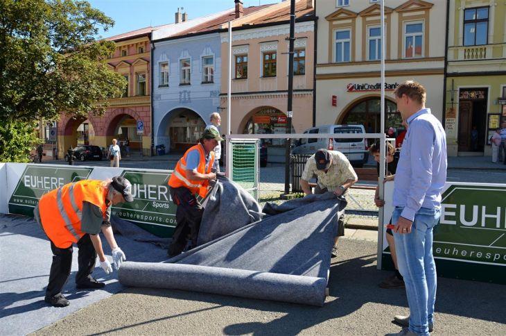 Valašské Meziříčí - volejbal na náměstí