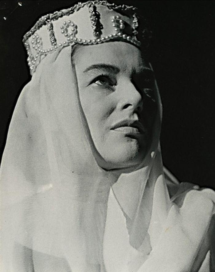 V roce 1960 v historickém dramatu J. K. Tyla Drahomíra