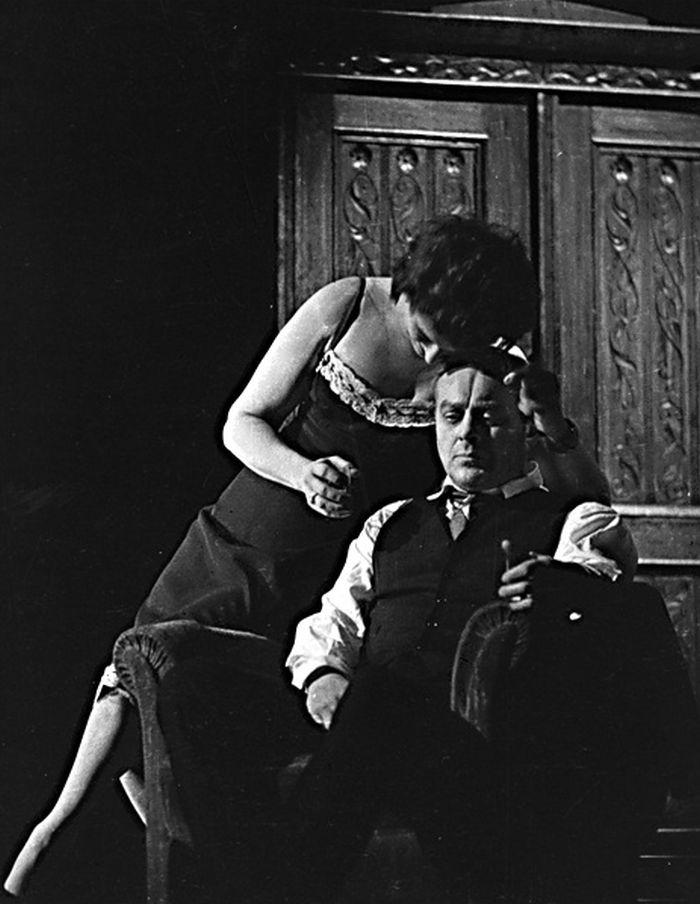 S Karlem Högerem v roce 1959, v Národním divadle v dramatu Arthura Millera Smrt obchodního cestujícího
