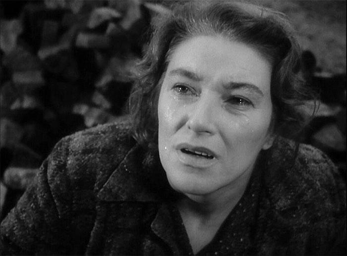 Matka Ryšánková v psychologickém válečném dramatu Jiřího Krejčíka Vyšší princip