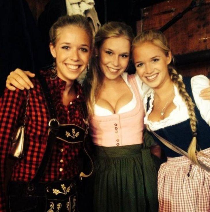 Daniny dcery Janina, Tereza a Josefína na Octoberfestu