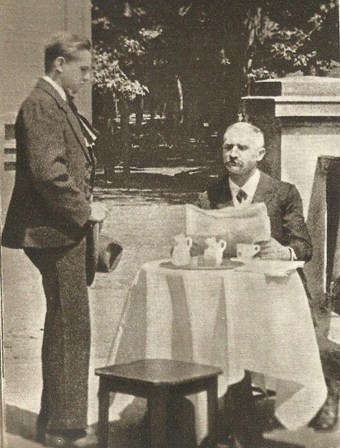 S Václavem Vydrou ml. v roce 1921 v němém filmu Na vysoké stráni