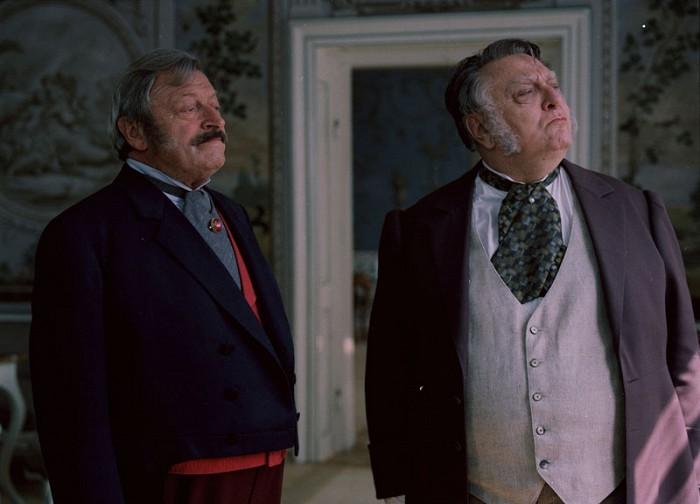 Hrabě Palačič a Carlo Humberto (Martin Růžek) v seriálu Cirkus Humberto