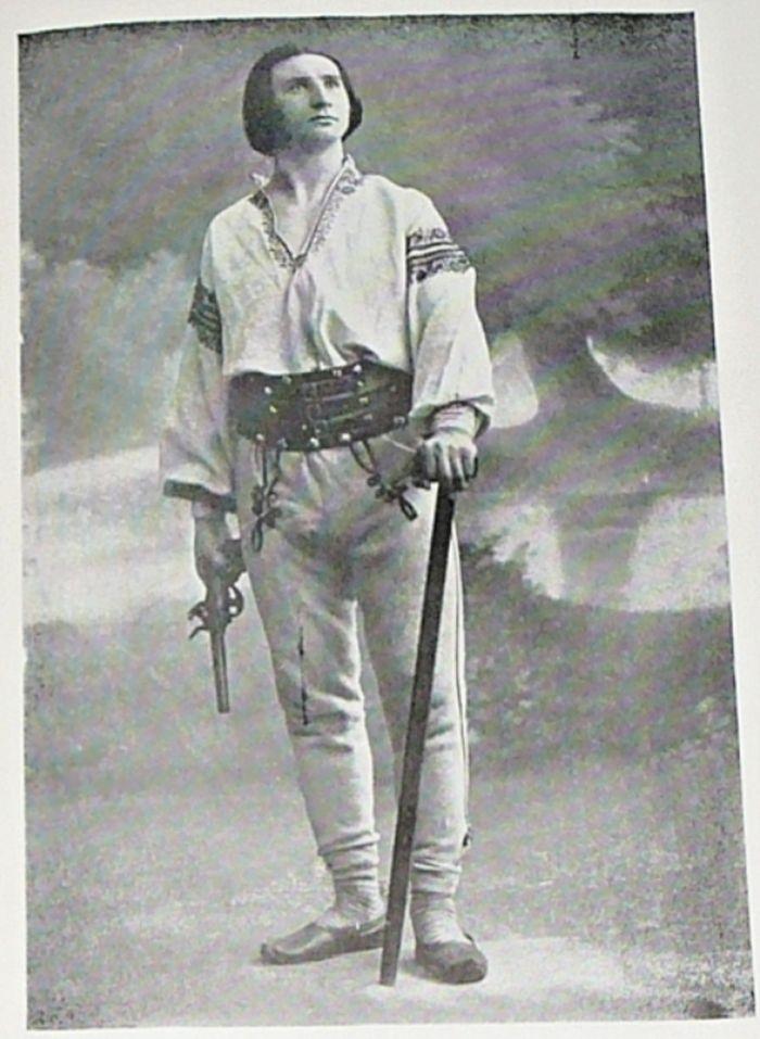 Jako Vlček ve hře Janošík v roce 1910
