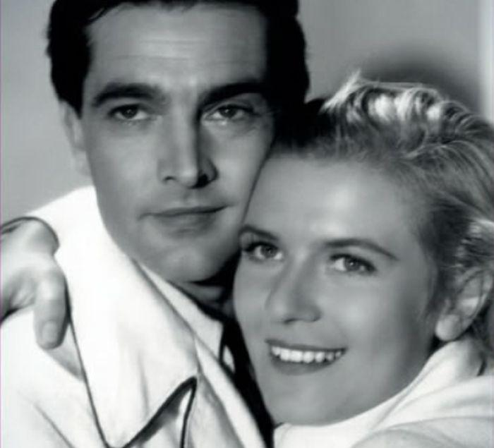 S prvorepublikovým idolem Rolfem Wankou v roce 1936 v romantickém dramatu Karla Hašlera Irčin románek