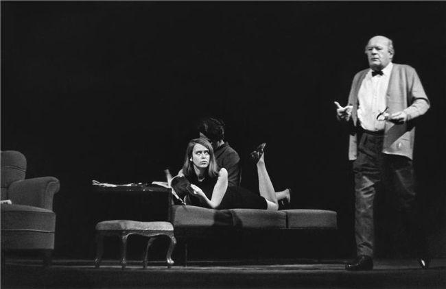S Bohušem Záhorským v roce 1968 na jevišti Národního divadla v dramatu Karla Čapka Bílá nemoc