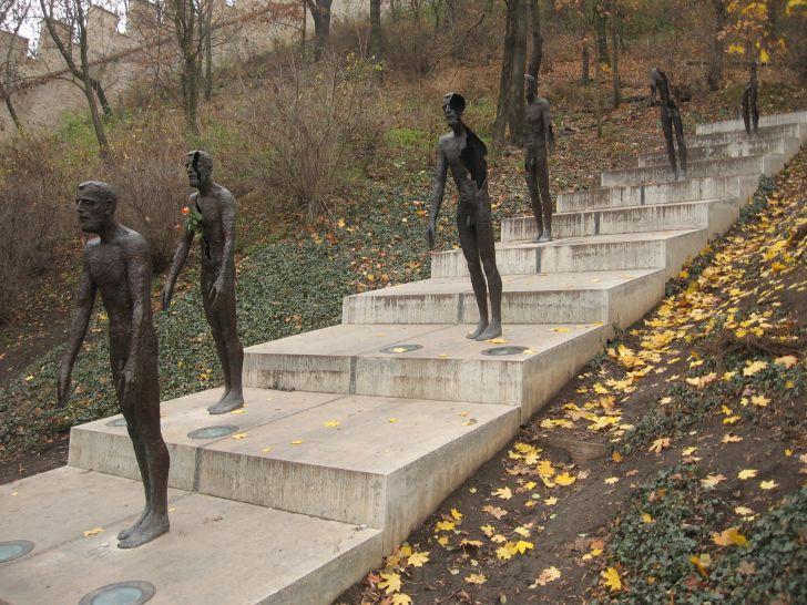 Pomník obětem komunismu na pražském Petříně