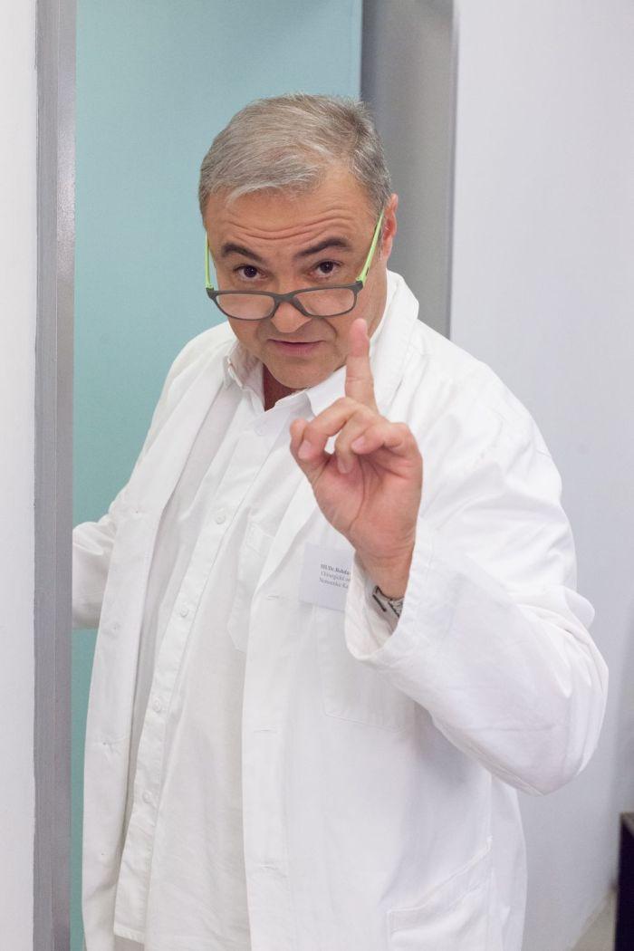 Doktor Bobo Švarc z Ordinace v růžové zahradě 2