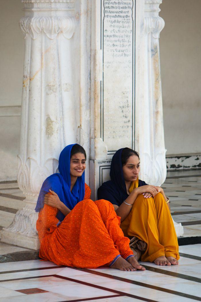 Sikhské dívky u Zlatého chrámu