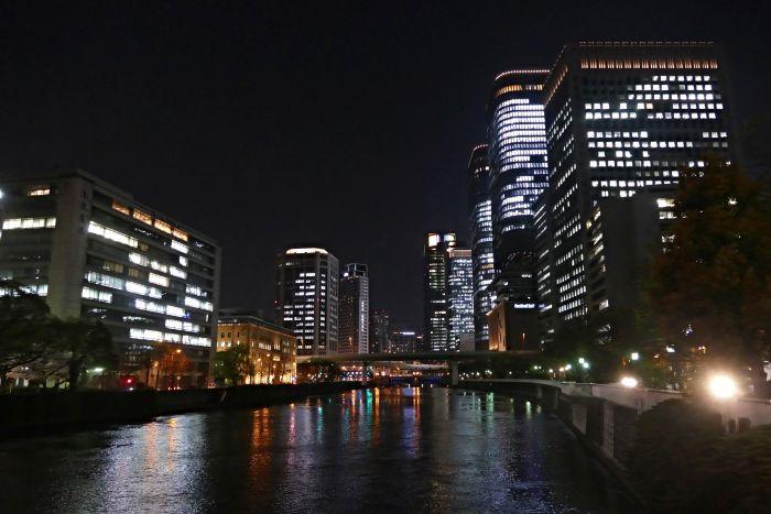 Noční Ósaka