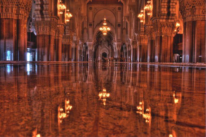 Interiér mešity Hassana II