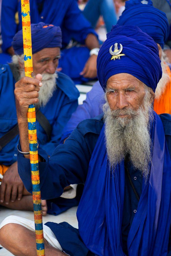 Modrá barva symbolizuje odvahu a patriotismus