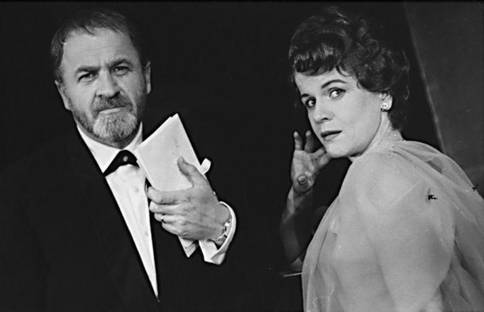 S Jaroslavou Adamovou v představení Drahý lhář – Divadlo ABC 1962