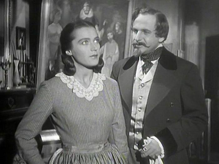 Novinář Marcel Bernard a Martina Jordánová (Luba Skořepová) v hororu Podobizna, který natočil v roce 1947 syn českého impresionistického malíře Antonína Slavíčka Jiří