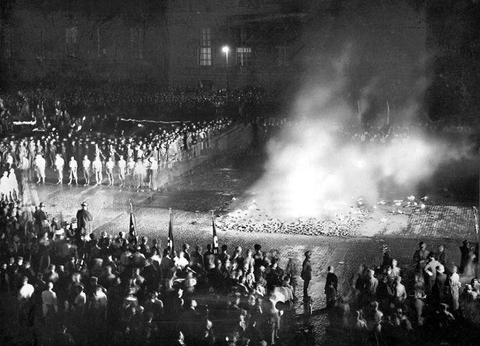 nacismus pálení knih
