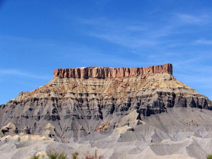 Jeden z typických skalních útvarů v okolí slavné silnice Route 66