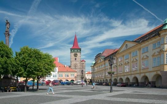 Jičínsko zprávy.cz: Házenkářské hřiště Jičín zpřístupní občanům