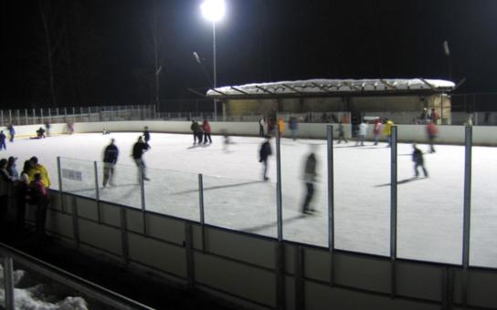 Nejdecká opozice: Zimní stadion v Nejdku byl dočasně uzavřen