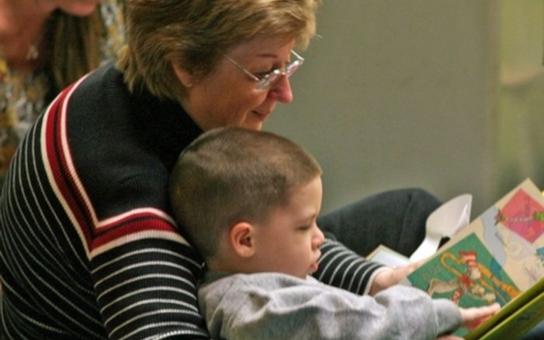 iPětka: Chcete být náhradní babičkou či dědečkem?