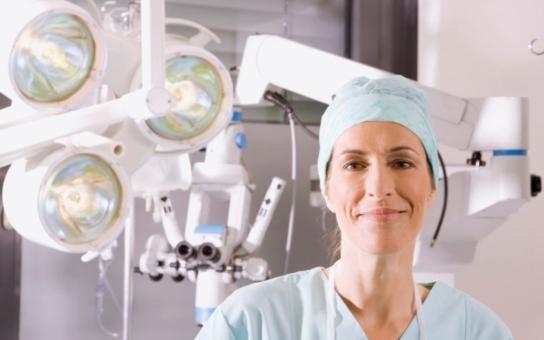 Do vedení nemocnice kandidovala falešná doktorka