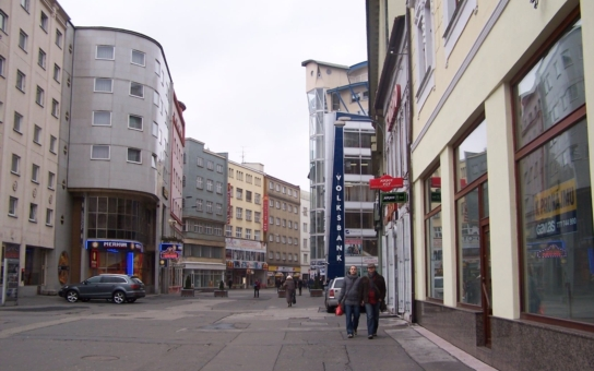Pokuta až 200 tisíc! Radní na severu Moravy zakázali podomní prodej