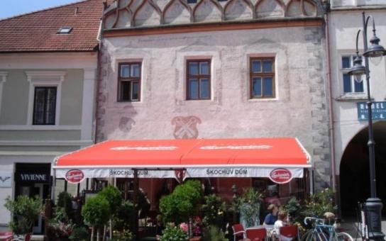 Táborští restauratéři, třeste se. Radnice omezí předzahrádky