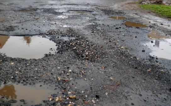 Krajští silničáři dostali přidáno na opravy silnic
