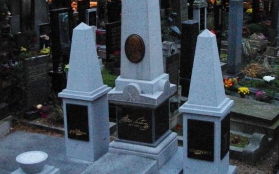 Smetanu dostáváme všichni do kolébky a provází nás až do hrobu, říká sochař Císařovský
