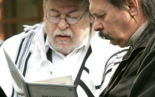 Náměstím Míru zněla jména umučených Židů