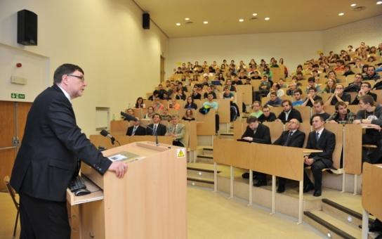 Ministr ODS jednal s hejtmanem ČSSD. Stovky milionů létaly vzduchem