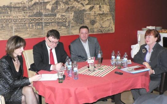 Kraje prosí: Dostavte R7! Ministr Stanjura váhá