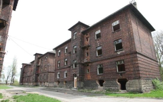 Nájemníci ghetta v Přednádraží chtějí městské byty. Problém jsou ale dluhy