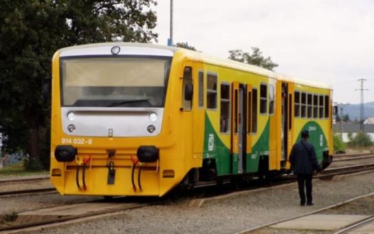 Vlaky přes Jesenicko budou zastavovat častěji. Na znamení