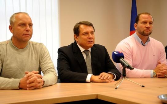 Kmotr Benda od Paroubka míří do sněmovny, ČSSD zuří