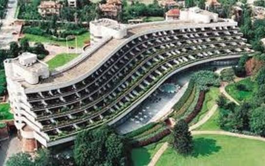 Hotel Praha. Bude se bourat, nebo se stane kulturní památkou?