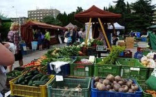 Farmářsko – potravinářské trhy v Gayerových kasárnách