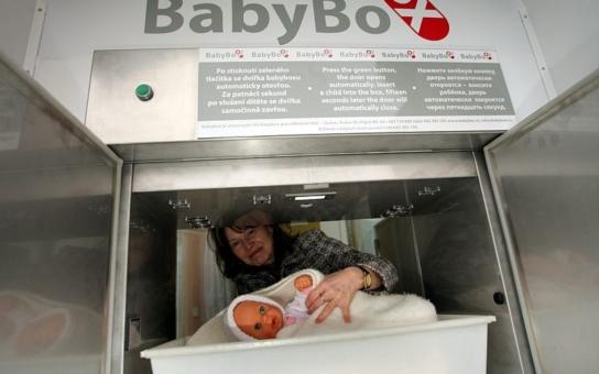 Další zachráněná: Odložená Žofinka z babyboxu bojuje s infekcí