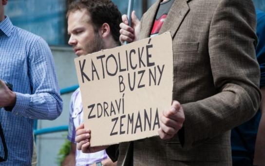 Prezident v Brně: Mladí měli pro Zemana nachystaný popelník