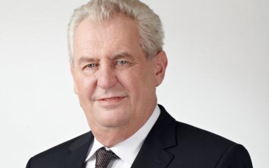 Poklona občanů prezidentovi: Ať žije Zeman, máme Vás rádi