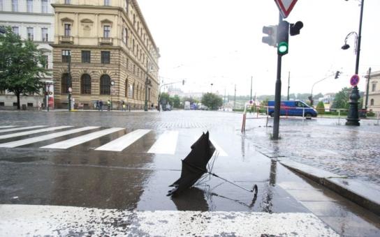Dnešní doprava v Praze: Metro už jezdí kromě trasy C, i tramvaje se až na dvě vrátily