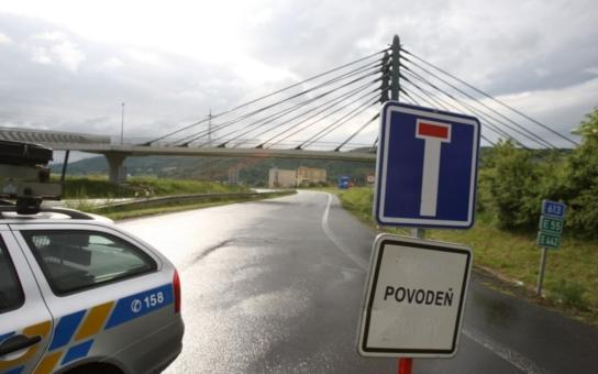 Sesuv na dálnici! Dokončení D8 v nedohlednu