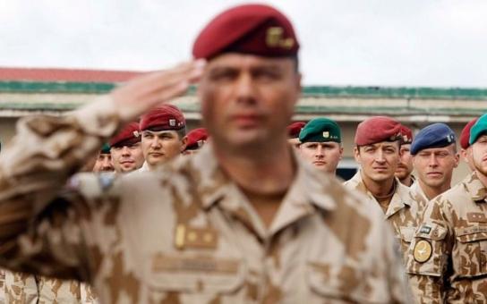 Armáda dává naději. To je projekt, jímž vojáci pomáhají těm, kteří to potřebují nejvíc