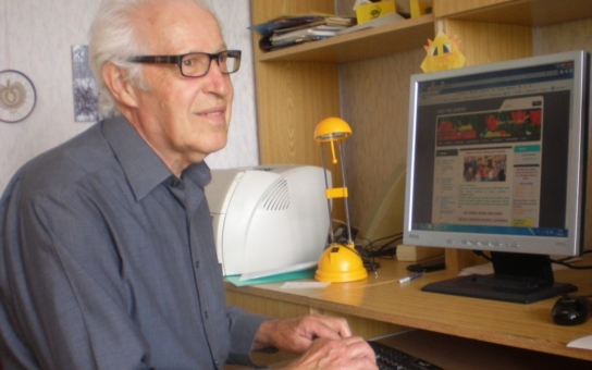 Vnučky se chlubí, že jejich děda má vlastní web, směje se 79letý Zdeněk Vohradník