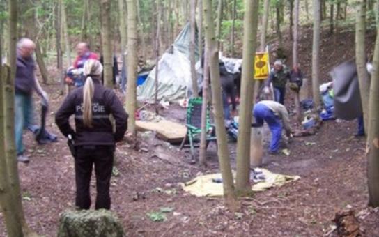 Šternberk: Strážníci a policisté zasahují proti bezdomovcům