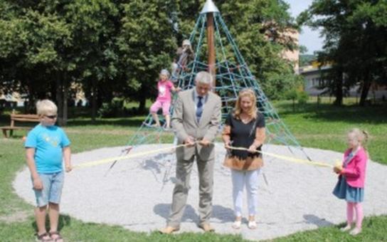 Litvínov má nové dětské hřiště ve Studentské ulici