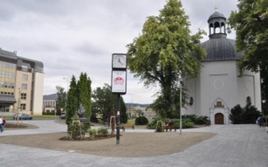 Bruntál má nové náměstí, vzniklo v prostoru u kaple