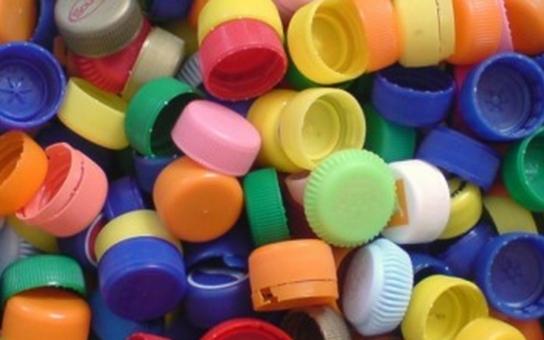 Recyklovatelná víčka pomohou dětem v krnovské nemocnici