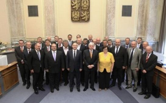 Evropské fondy bude s hejtmany řešit přímo premiér